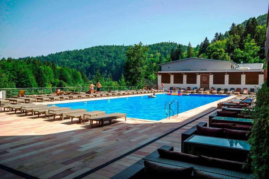 Отели Яремче с бассейном
